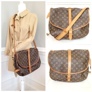 Louis Vuitton Saumur 35 Messenger Bag